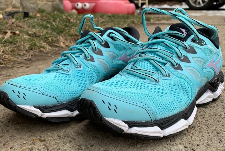 #FreeHugs: Review Of The Mizuno Wave Horizon 3