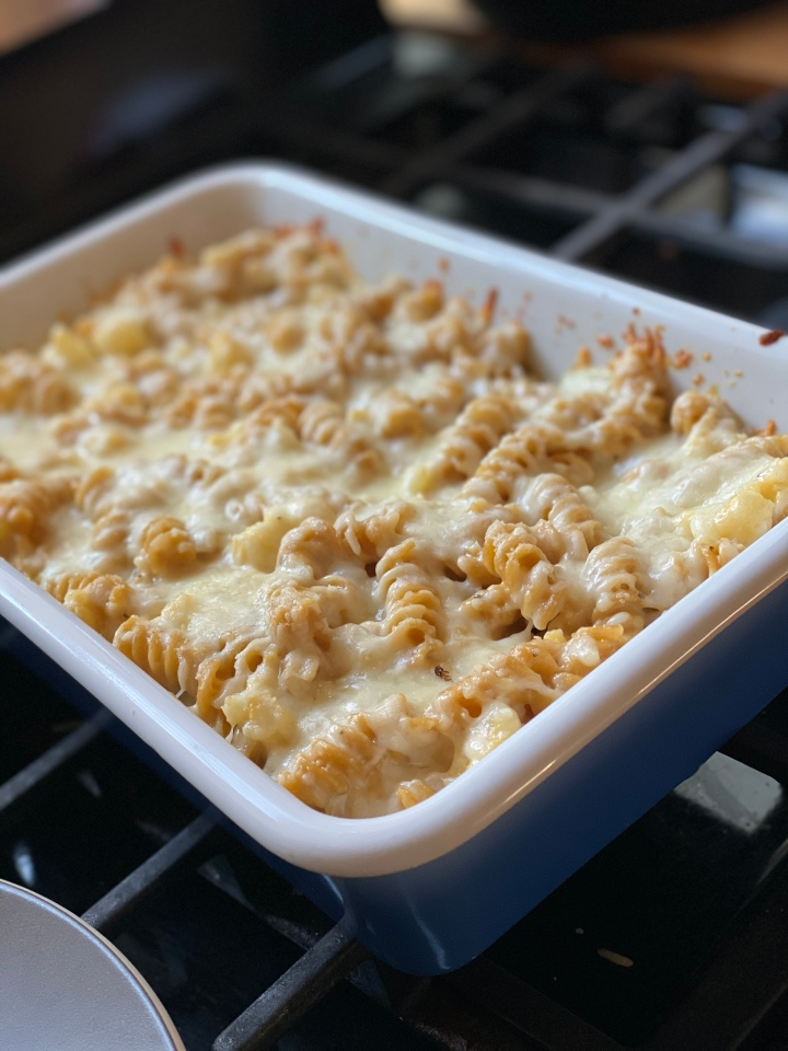 Recipe: Healthy(ish) Baked Macaroni & Cheese with Cauliflower